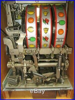 1934-WATLING GOLD COIN 25c ROL-A-TOP SLOT MACHINE