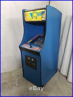 Golden Tee 2020 Pedestal by Incredible Technologies COIN-OP Arcade Video Game