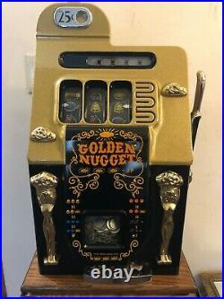 ORIGINAL 1940's 25¢ Mills Antique Slot Machine. Golden Nugget model coin-op