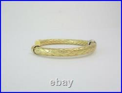 Stunning Roberto Coin Primavera Collection Diamond 18k Yellow Gold Cuff Bracelet