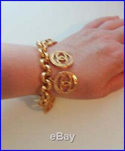 Vtg RARE Collectable CHANEL Gold Plt 6 Charms CC Logo Coins Chain Bracelet